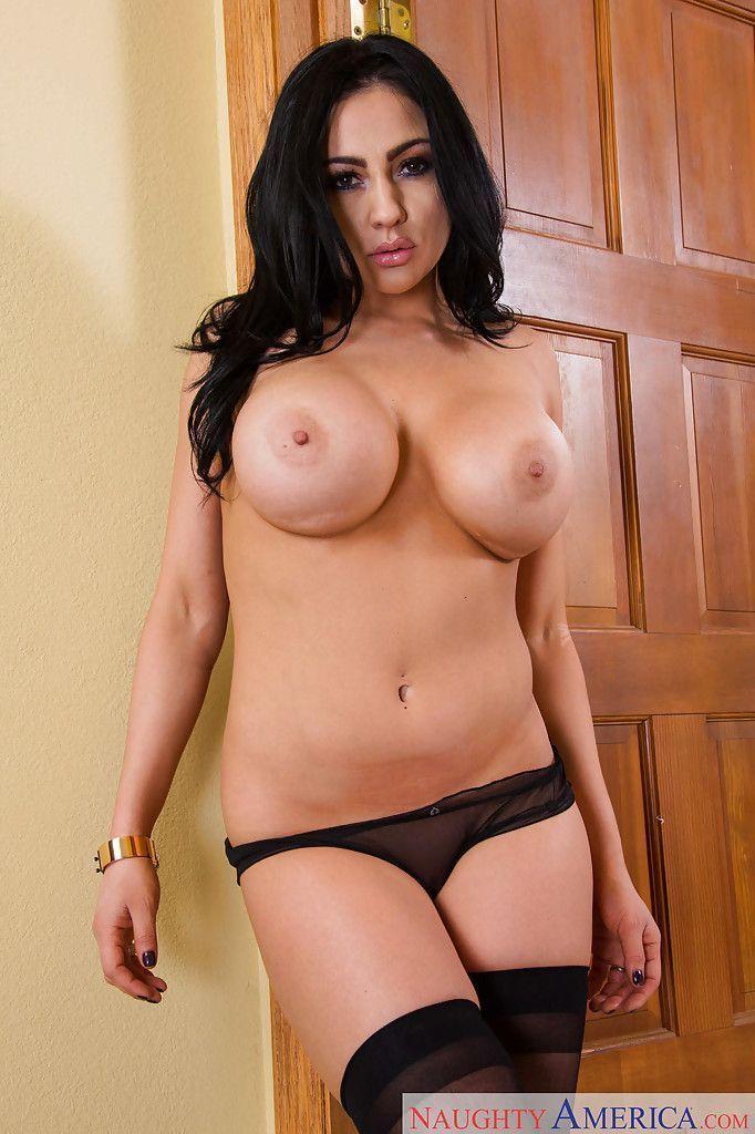 fotos gratis eroticas de morena com seios grandes e buceta linda 7 - Fotos grátis eróticas de morena com seios grandes e buceta linda