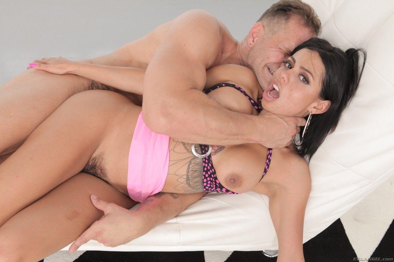 fotos sexuais de morena bucetuda transando com dotado 13 - Fotos sexuais de morena bucetuda transando com dotado