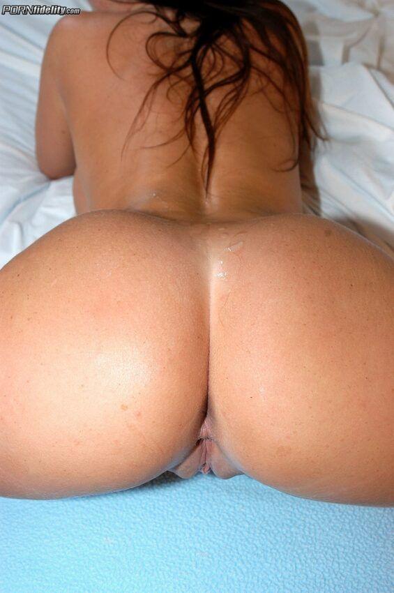 7 1 565x850 - Fotos de bunda linda gostosa tomando pica grande e grossa