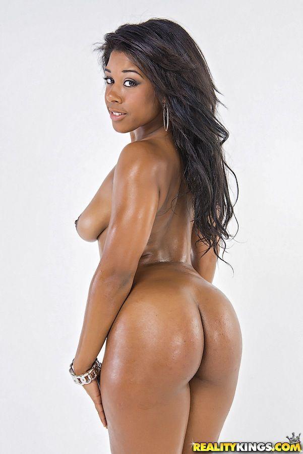 negra pelada mostrando o bundao grande em fotos de nudez 14 - Negra pelada mostrando o bundão grande em fotos de nudez