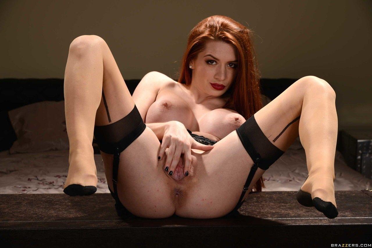 ruiva peituda linda se exibindo fazendo striptease 18 - Ruiva peituda linda se exibindo fazendo striptease