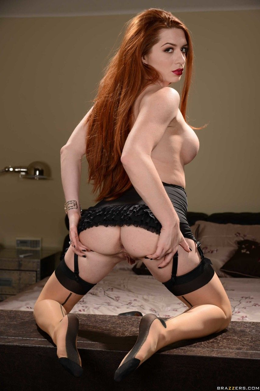 ruiva peituda linda se exibindo fazendo striptease 19 - Ruiva peituda linda se exibindo fazendo striptease