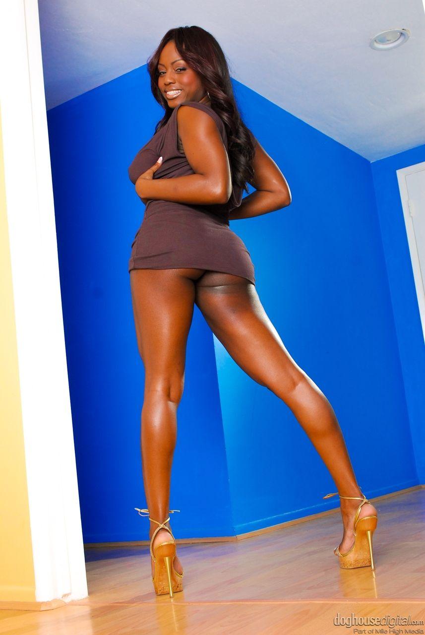 mulher negra peituda nua em fotos quentes gratis 1 - Mulher negra peituda nua em fotos quentes grátis