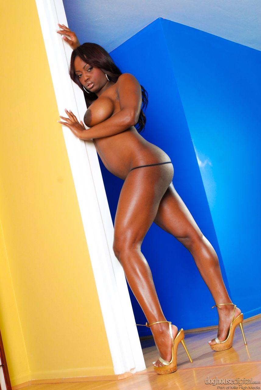 mulher negra peituda nua em fotos quentes gratis 7 - Mulher negra peituda nua em fotos quentes grátis