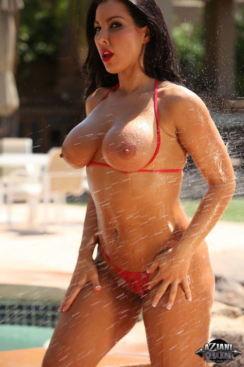 mulher pelada gostosa em fotos picantes ao ar livre 5 - Mulher pelada gostosa em fotos picantes ao ar livre
