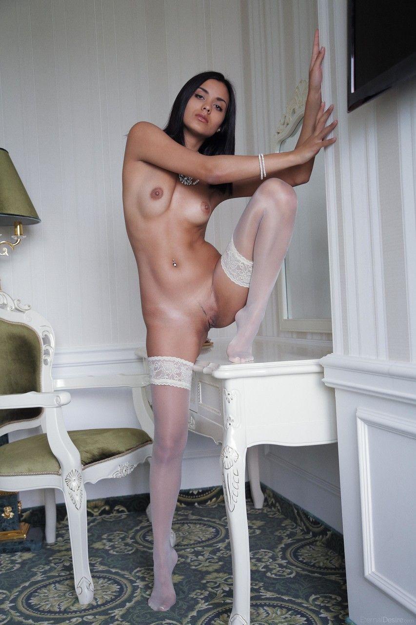 fotos xvideos novinha sexy mostrando a buceta linda 14 - Fotos xvideos novinha sexy mostrando a buceta linda