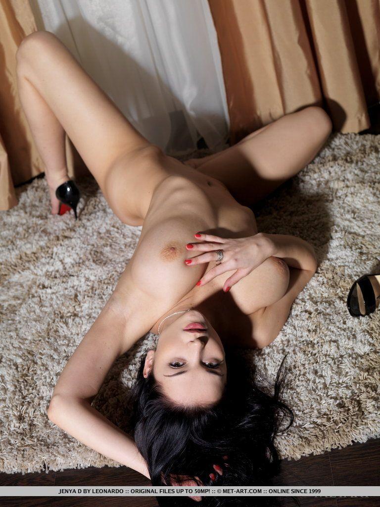 branquinha nua se exibindo pelada com os peitoes a mostra 13 - Branquinha nua se exibindo pelada com os peitões a mostra