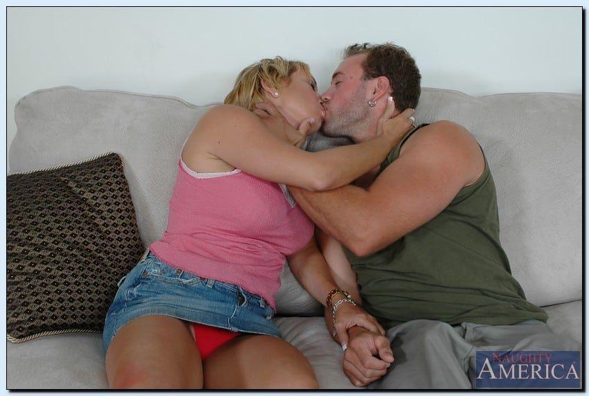 coroa gostosa peituda fazendo sexo e tomando gozada na cara 0 - Coroa gostosa peituda fazendo sexo e tomando gozada na cara