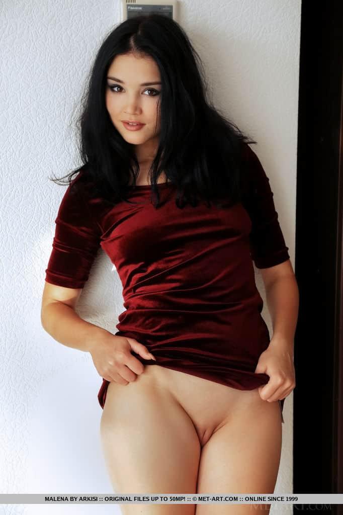 novinha pelada safadinha provocando em fotos quentes 1 - Novinha pelada safadinha provocando em fotos quentes