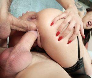 Fotos de putaria com novinha fazendo dupla penetração