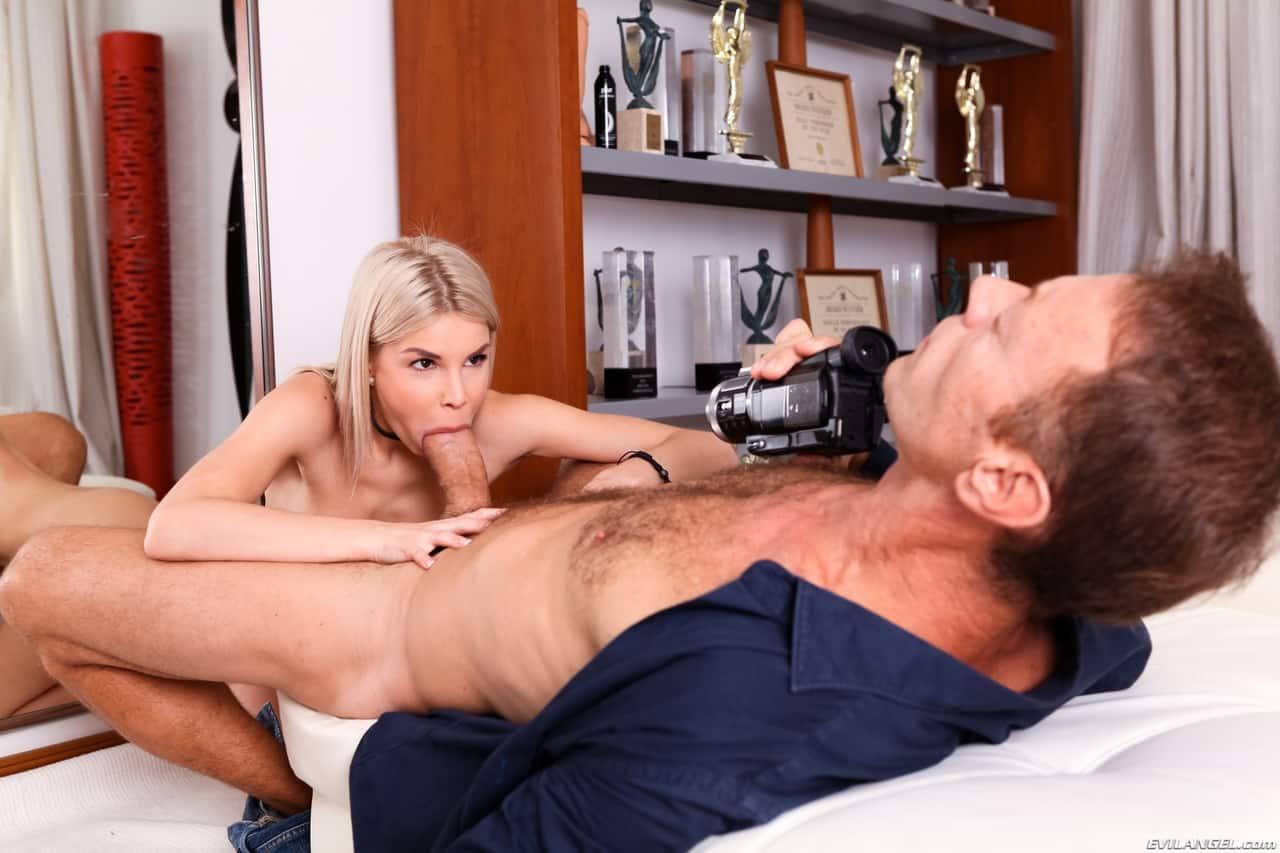 fotos gratis porno com loira magrinha sexy dando o cu 8 - Fotos grátis porno com loira magrinha sexy dando o cu