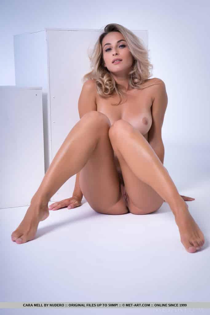 loira sexy pelada mostrando a buceta greluda charmosa 13 - Loira sexy pelada mostrando a buceta greluda charmosa