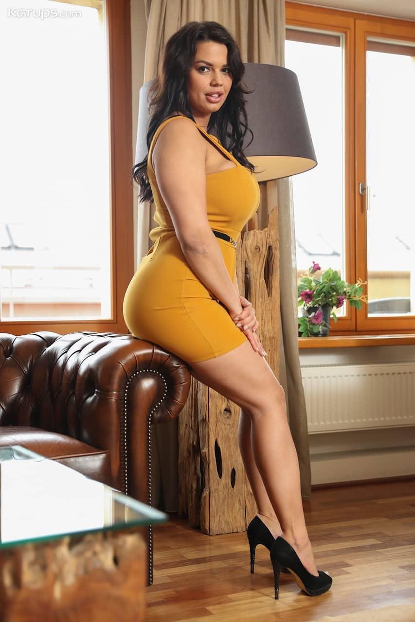 mulher pelada gostosa com peitoes grandes e buceta lisa 1 - Mulher pelada gostosa com peitões grandes e buceta lisa