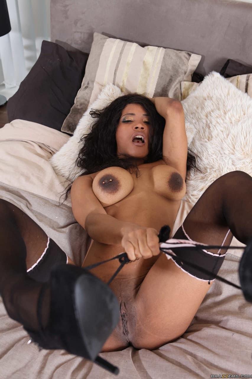 mulher pelada negra gostosa se exibindo sem ter vergonha 8 - Mulher pelada negra gostosa se exibindo sem ter vergonha