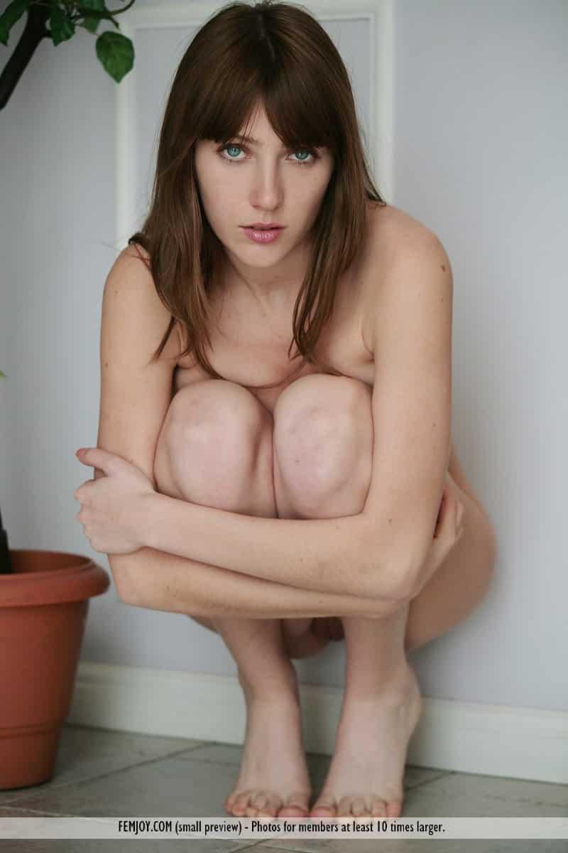 novinha tesuda se exibindo pelada mostrando os peitoes 6 - Novinha tesuda se exibindo pelada mostrando os peitões