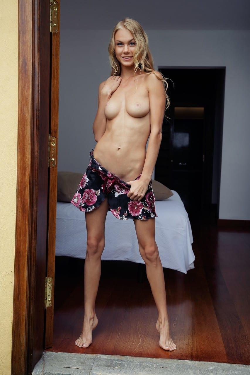 porno fotos gratis novinha linda e sexy se exibindo 1 - Porno fotos grátis novinha linda e sexy se exibindo