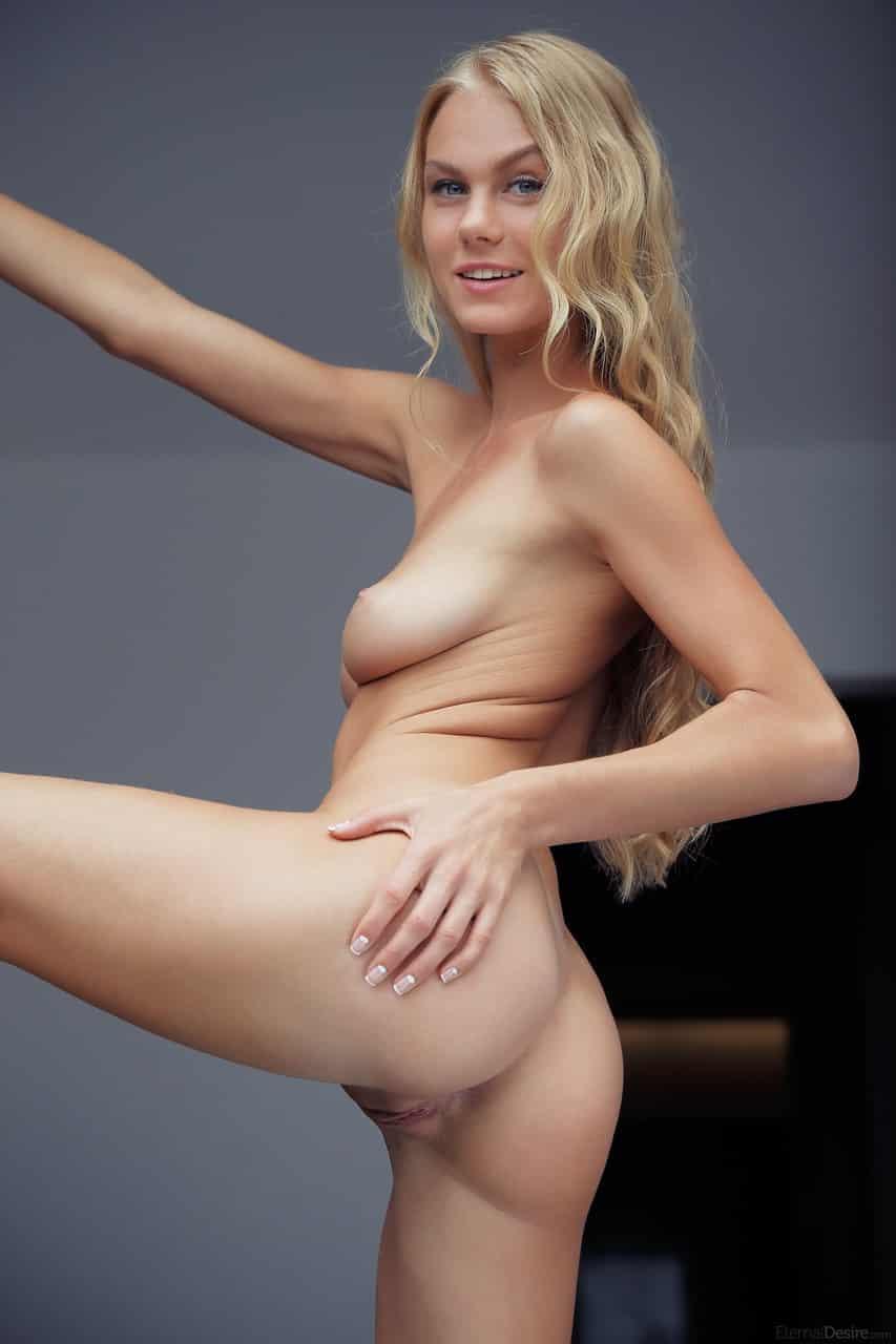 porno fotos gratis novinha linda e sexy se exibindo 4 - Porno fotos grátis novinha linda e sexy se exibindo