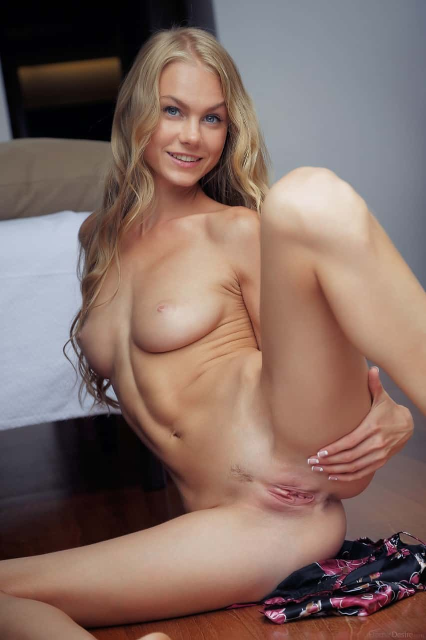 porno fotos gratis novinha linda e sexy se exibindo 9 - Porno fotos grátis novinha linda e sexy se exibindo