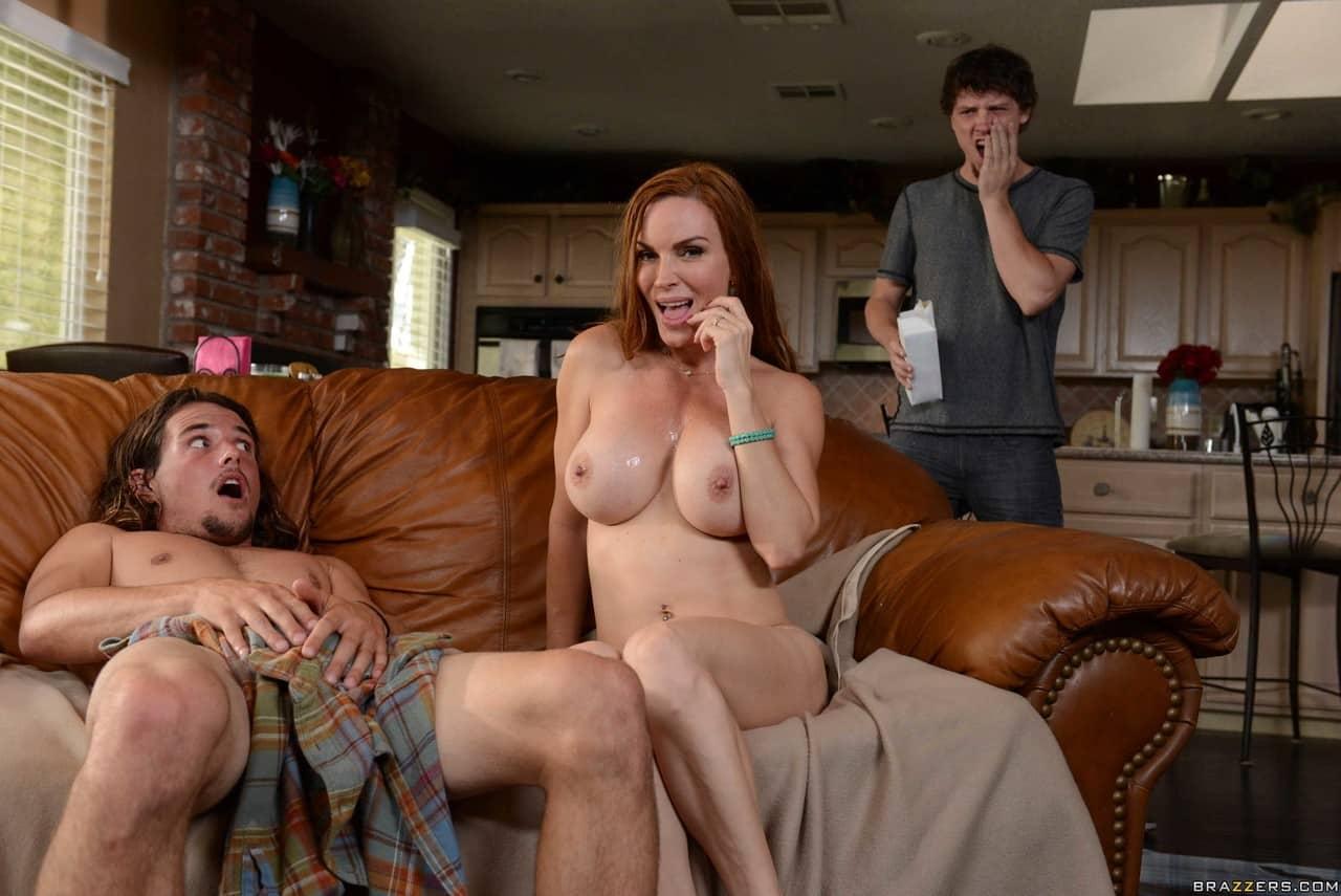 fotos eroticas coroa peituda transando com amigo do filho 19 - Fotos eróticas coroa peituda transando com amigo do filho