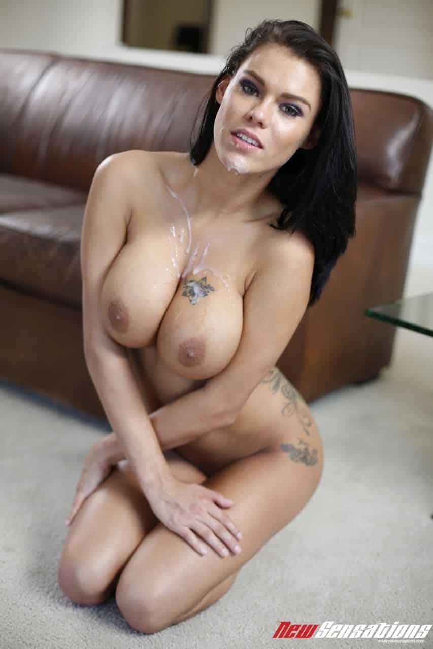 sexo e fotos hd com morena de peitos grandes 14 - Sexo e fotos HD com morena de peitos grandes